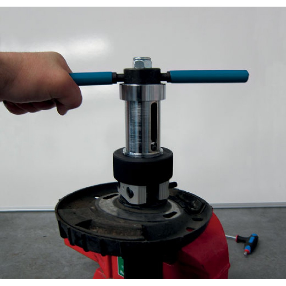 Narzędzia do napinania amortyzatorów w kolumnie McPhersona